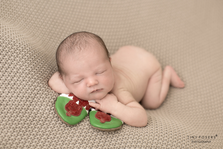 NEWBORN BABY PHOTOGRAPHER BRENTWOOD AND SHENFIELD   CUTE