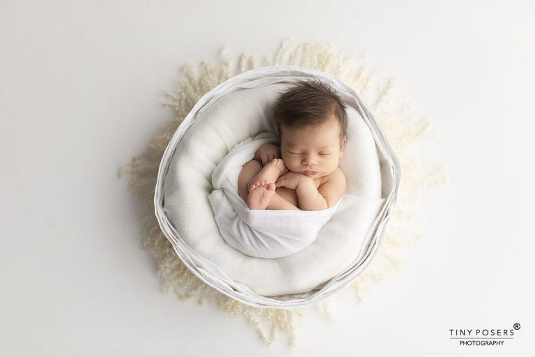 NEWBORN PHOTOGRAPHY STUDIO, WEST LONDON | DAINTY DOLL